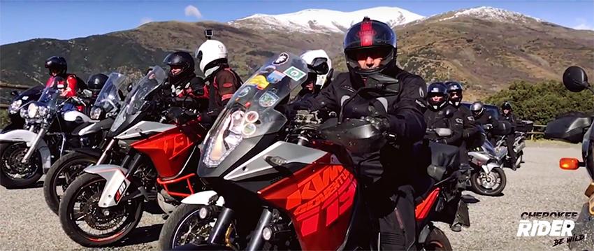 Moteros fanáticos de la adrenalina, la Cherokee Rider es para vosotros!